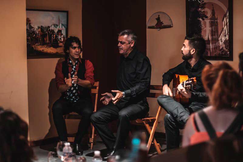 Tablao flamenco en sevilla espect culo flamenco show for Espectaculos en sevilla