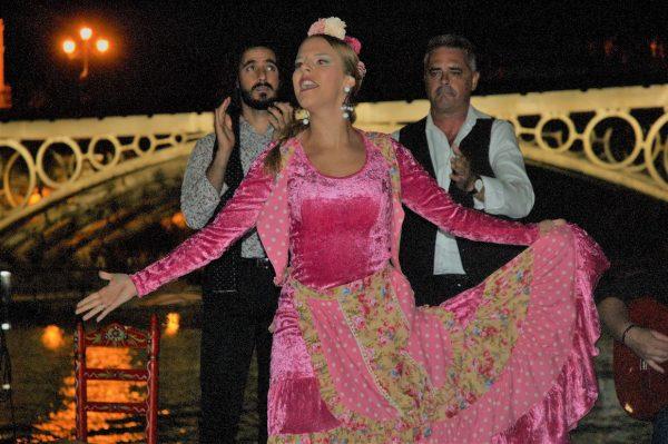 espectáculo de flamenco en barco en Sevilla